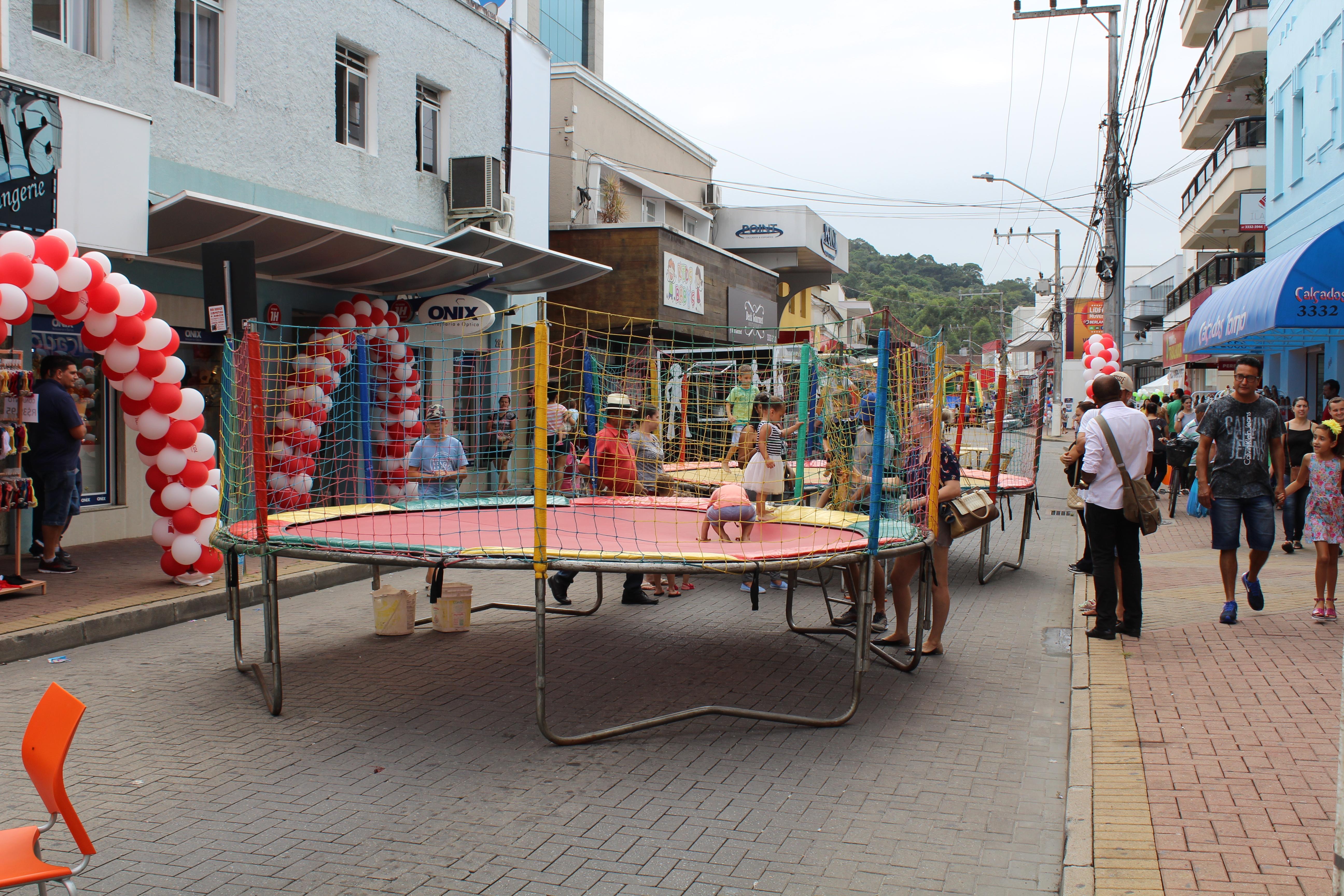 Sábado na praça Especial de Aniversário de 84 Anos de Gaspar